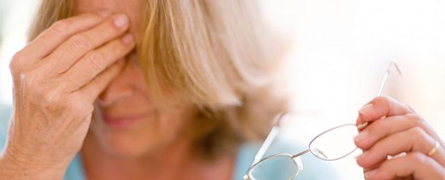 Ограничьте ношение цветных контактных линз для глаз при сниженном иммунитете при аллергии
